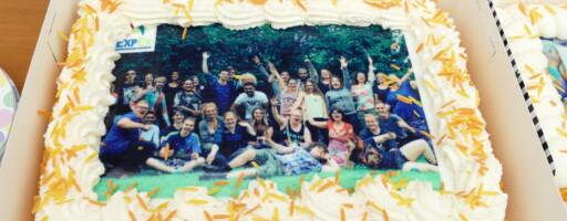 Taart met groepsfoto van ExpEx