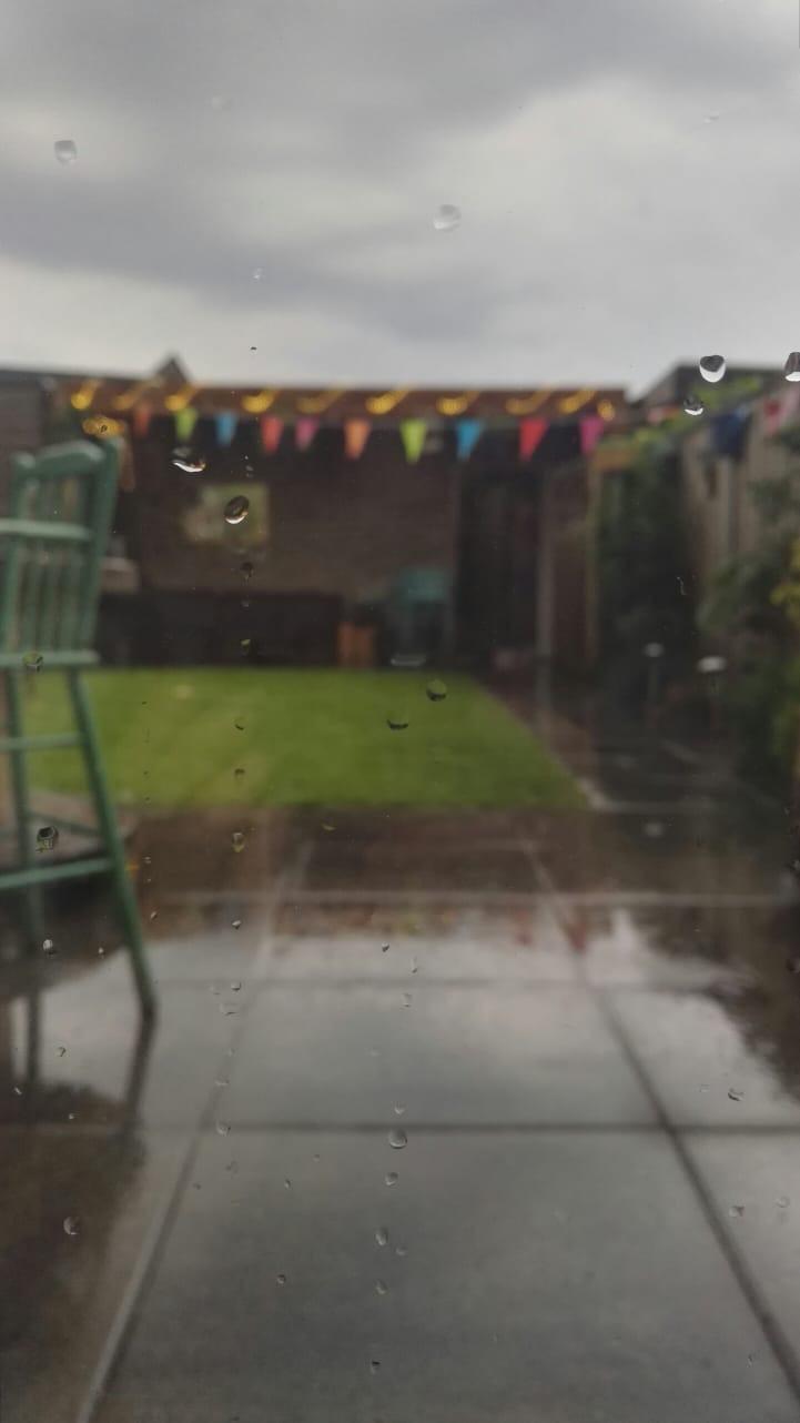 Foto van regen in tuin